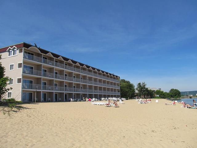 Bays Resort